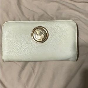 Michael khors wallet